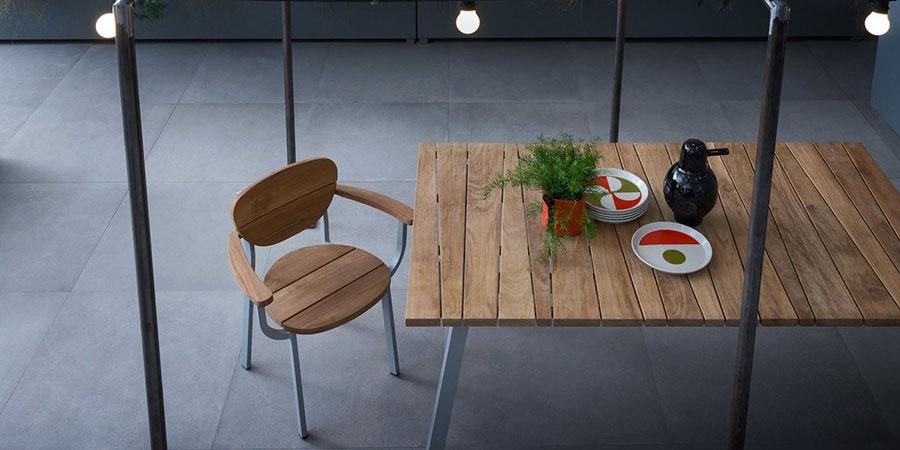 Modello di tavolo da giardino in legno teak n.02