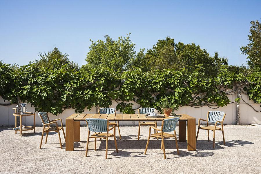 Modello di tavolo da giardino in legno teak n.06