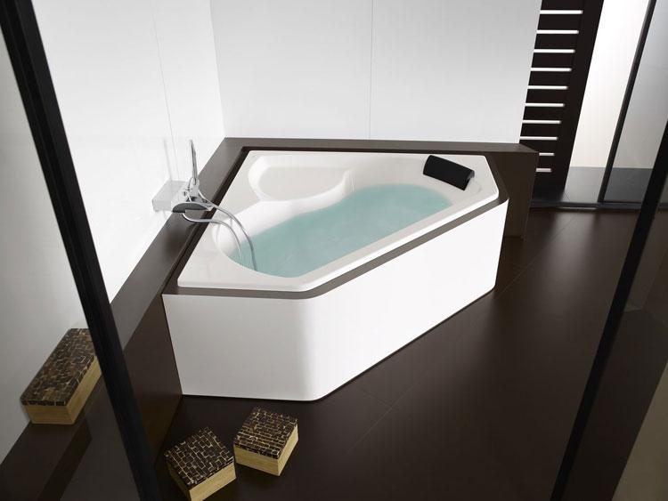 Vasca da bagno angolare moderna n.30