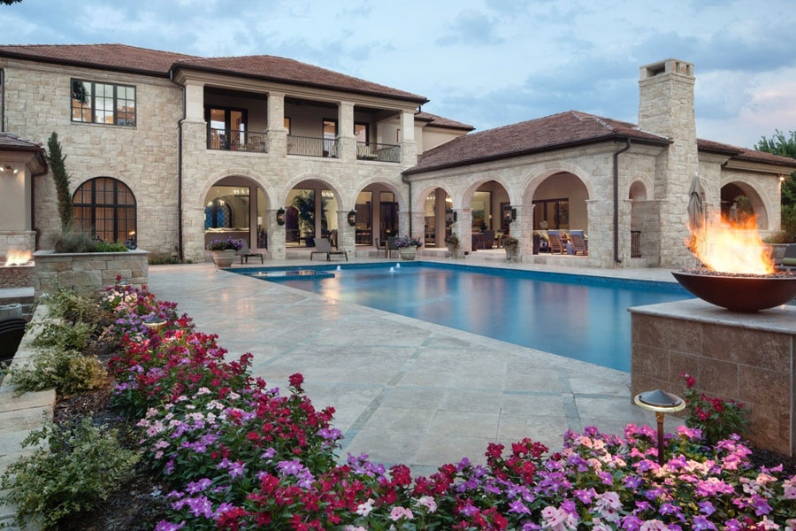 Villa di lusso con piscina dal design unico n.05