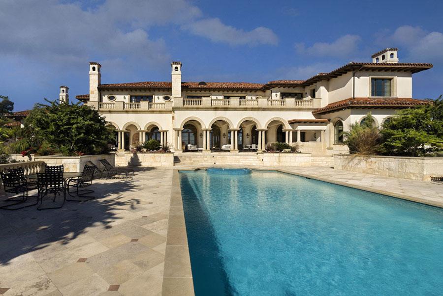 Villa di lusso con piscina dal design unico n.07