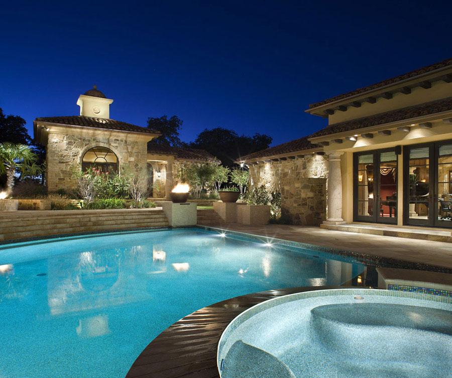 Villa di lusso con piscina dal design unico n.08
