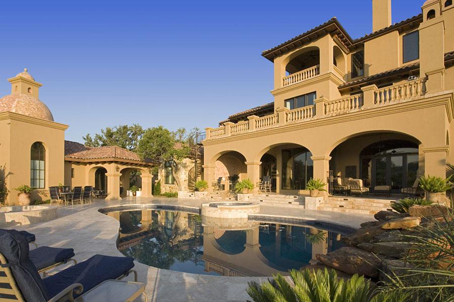 Villa di lusso con piscina dal design unico n.09