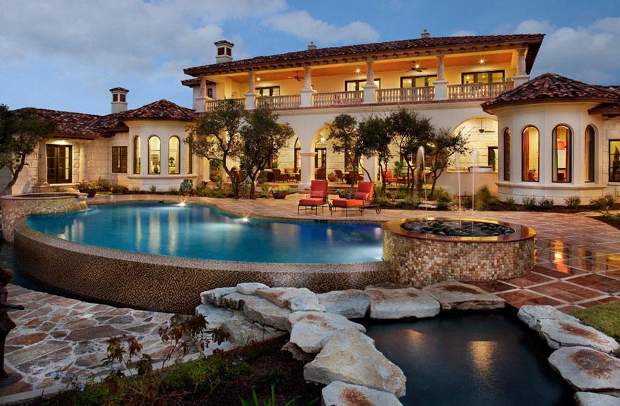 Villa di lusso con piscina dal design unico n.15