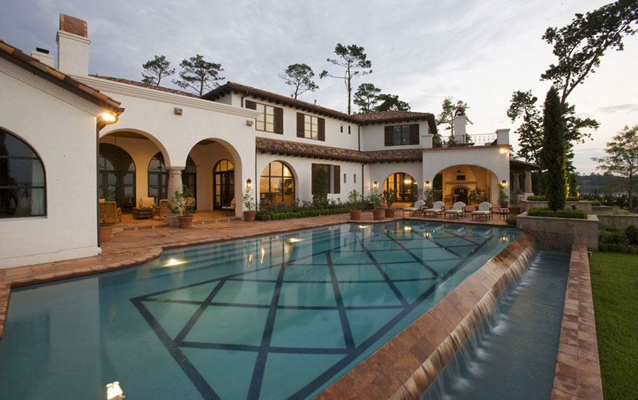 Villa di lusso con piscina dal design unico n.16