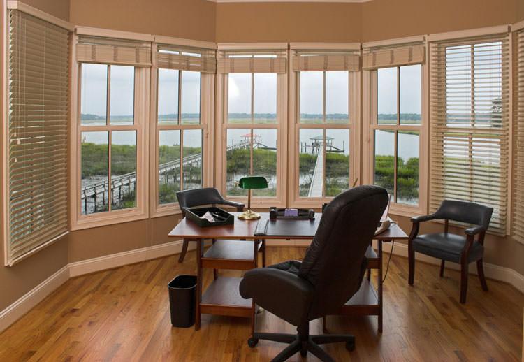 Arredamento per ufficio a casa con vista panoramica n.11