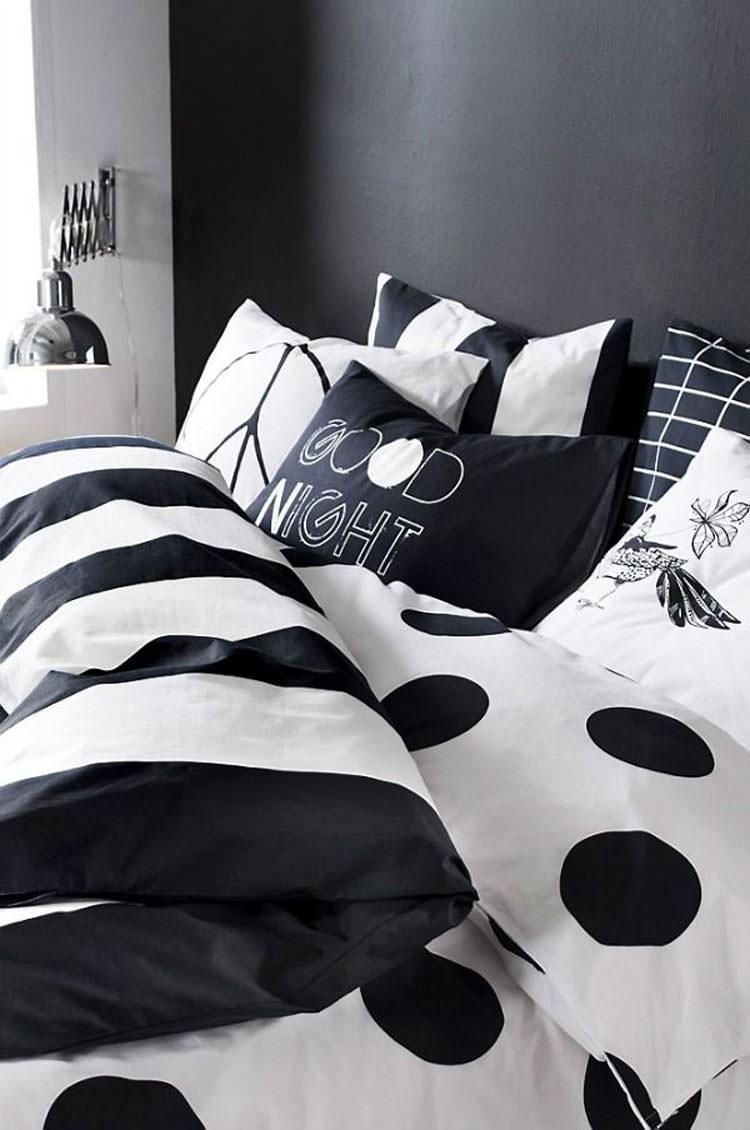 Camera da letto elegante in bianco e nero n.15