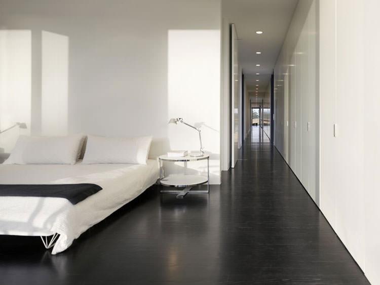 Camera da letto elegante in bianco e nero n.22
