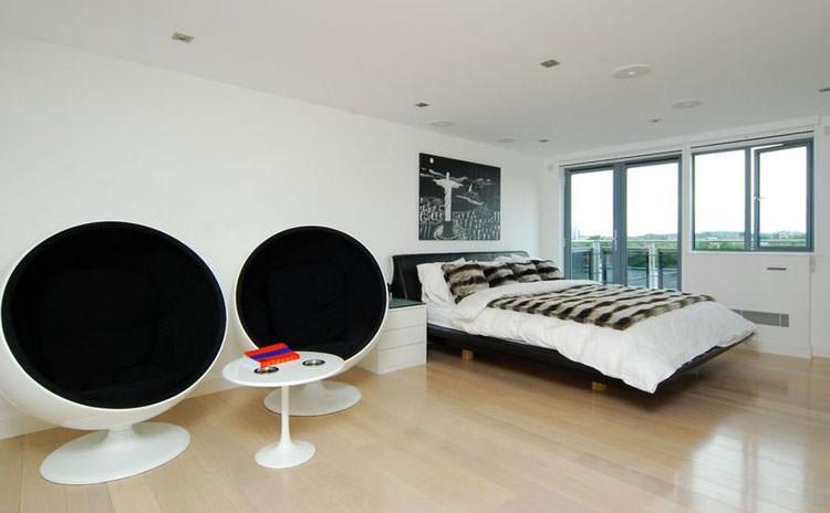 Camera da letto elegante in bianco e nero n.24