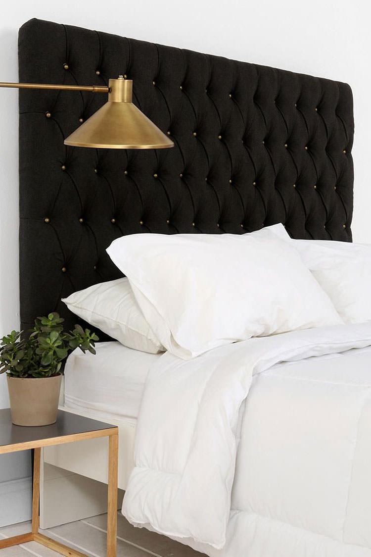 Camera da letto elegante in bianco e nero n.33
