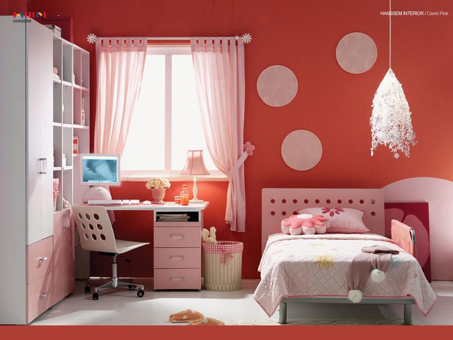 Idee per camerette con pareti rosse n.2