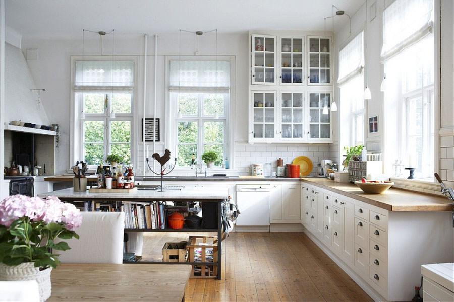 Cucina bianca dal design in stile scandinavo n.16