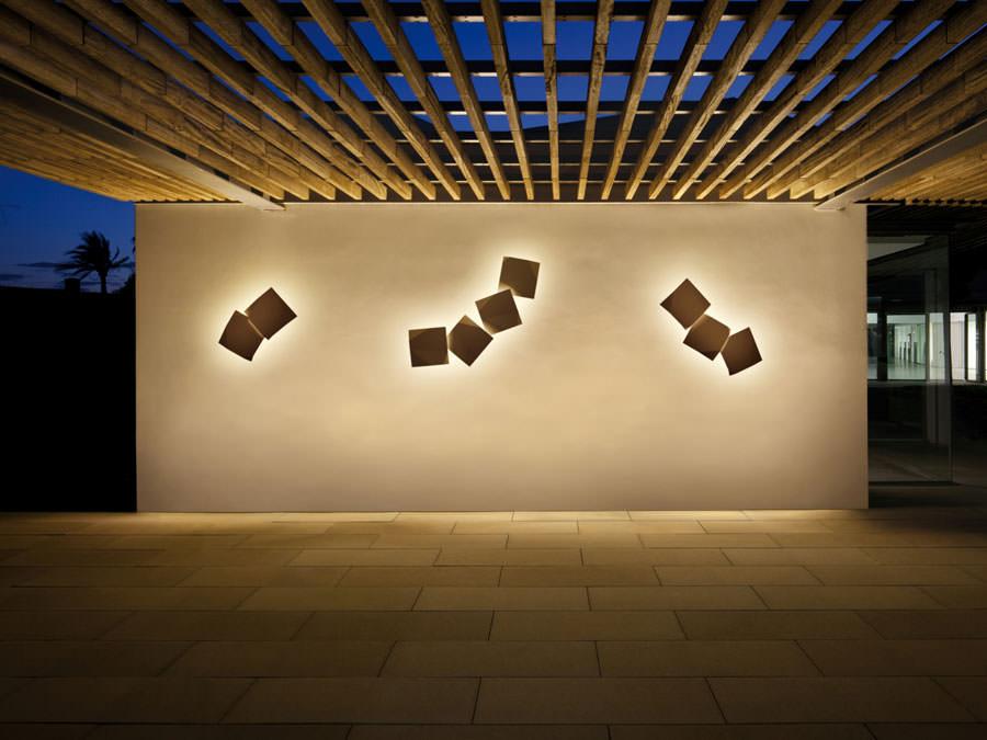 Lampada da parete dal design moderno e originale n.05