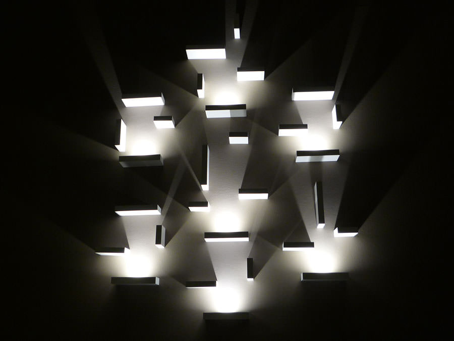 Lampada da parete dal design moderno e originale n.13