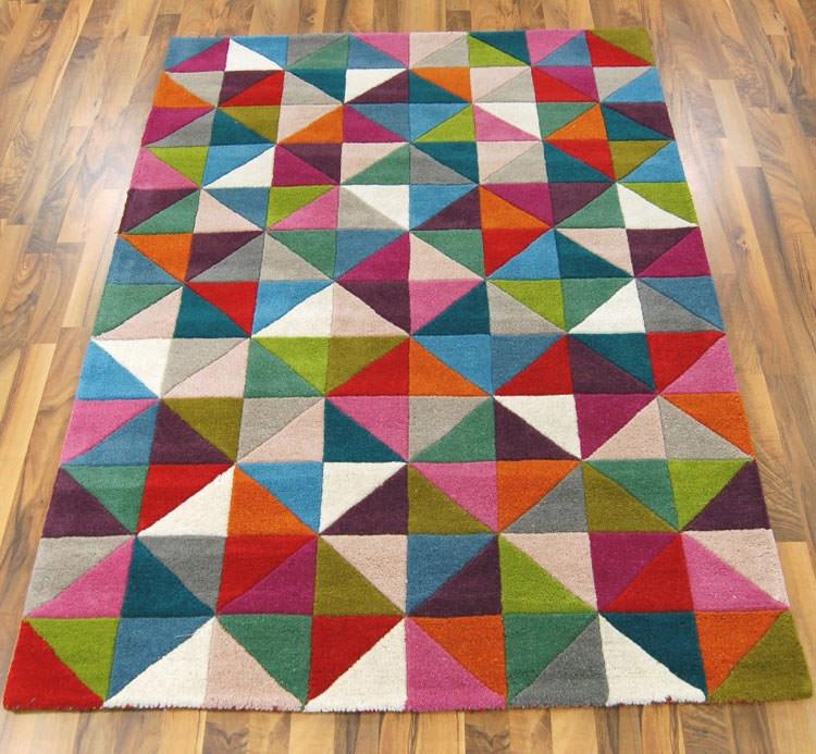 20 esempi di tappeti moderni dal design geometrico - Tappeti colorati ...