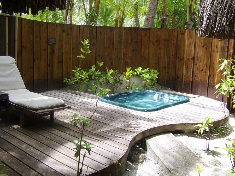 30 fantastiche vasche idromassaggio da esterno - Vasche in pietra da giardino ...