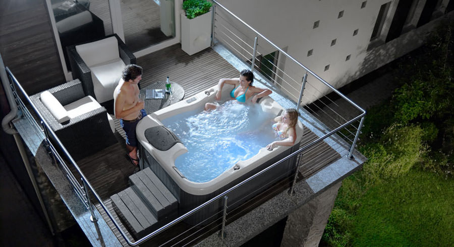 Vasca Da Terrazzo : 30 fantastiche vasche idromassaggio da esterno mondodesign.it
