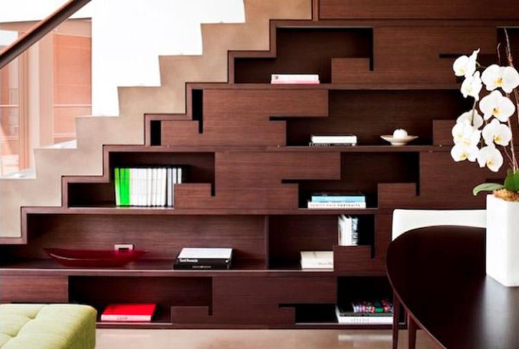 Libreria come arredamento per sottoscala