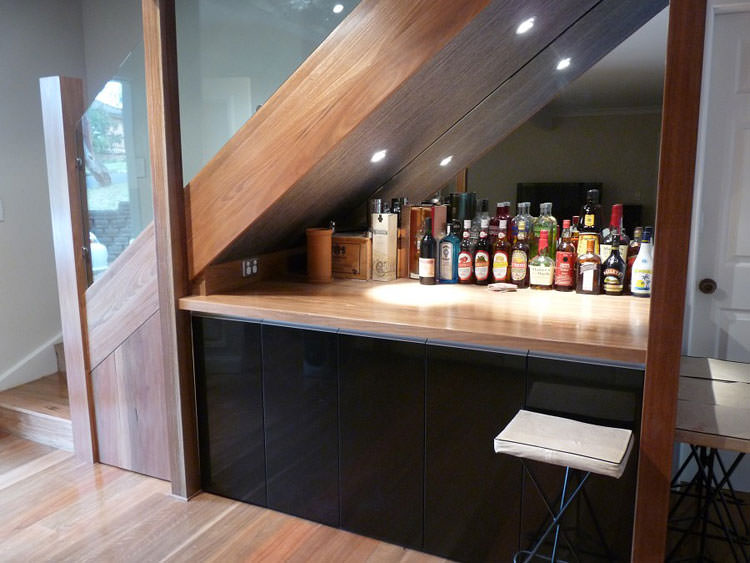 Come arredare un sottoscala 10 idee originali for Bancone bar casa