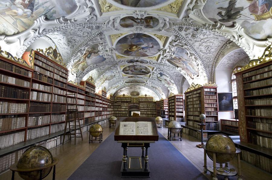 Interno della Biblioteca Monastero di Strahov a Praga