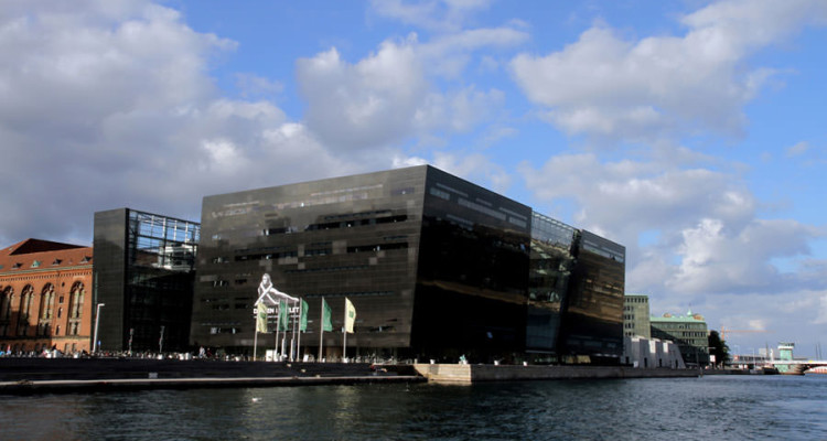 Biblioteca-Reale-Danimarca-The-Black-Diamond-Copenaghen