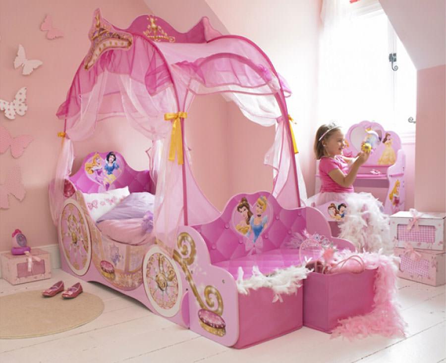Meravigliose camerette da principessa disney per bambine