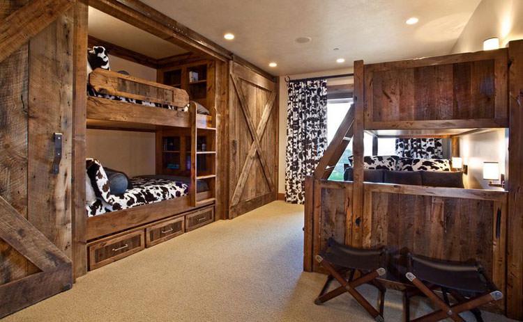 Letti a castello in legno dal design particolare n.04
