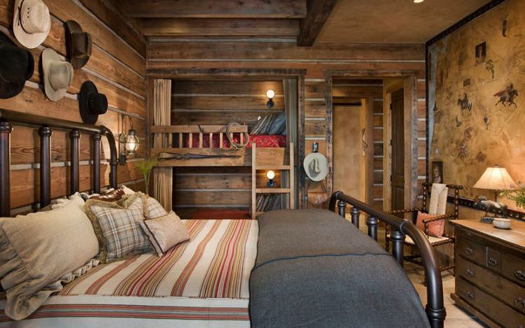 Letti a castello in legno dal design particolare n.10