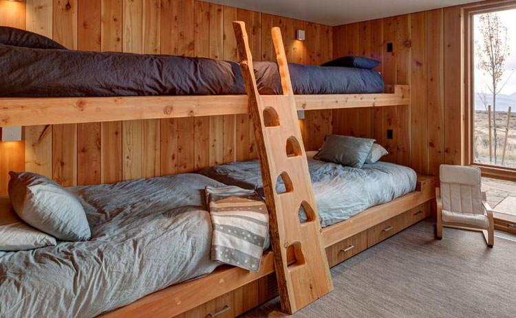 Letti a castello in legno dal design particolare n.11