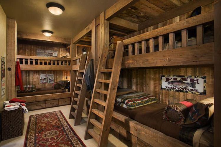 Letti a castello in legno dal design particolare n.13