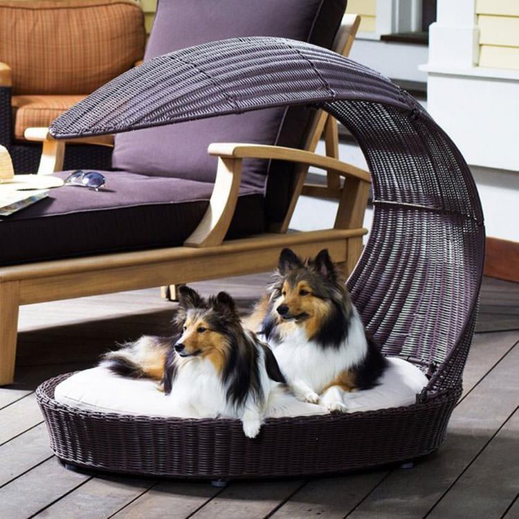 Lettino da giardino per cani dal design moderno