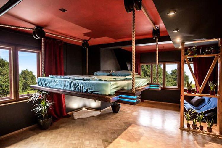Foto del letto sospeso a scomparsa ideato da Wiktor Jazwiec n.06