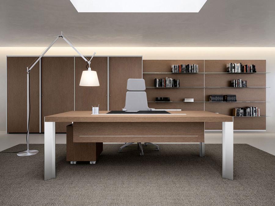 Mobili per ufficio dal design moderno 25 idee di arredo for Design ufficio scrivania