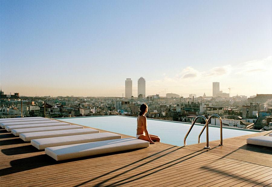 Piscina sul tetto del Grand Hotel Central a Barcelona