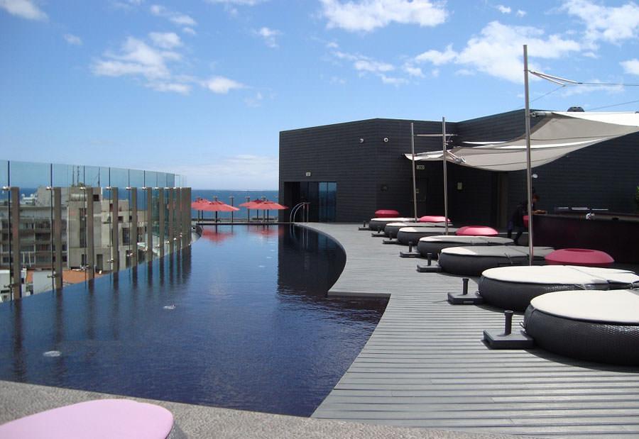 Piscina sul tetto del Vine Hotel a Funchal