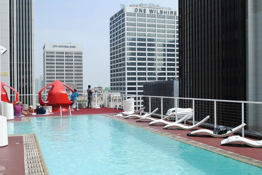 Piscina sul tetto dello Standard Hotel - Los Angeles