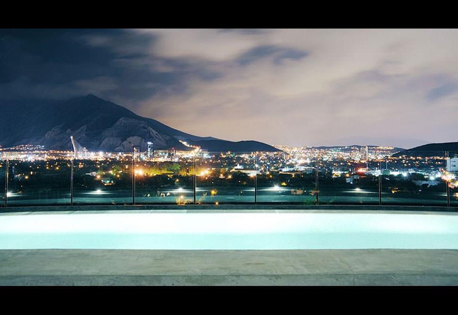 Piscina sul tetto dell'Habita Monterrey - Mexico