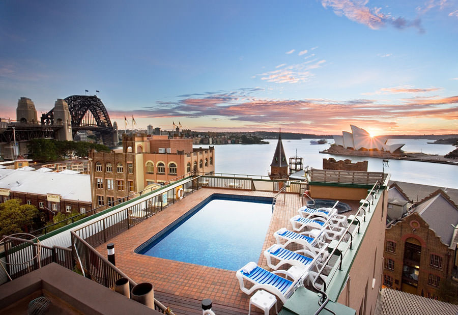 Piscina sul tetto dell'Old Sydney Holiday Inn - Sydney