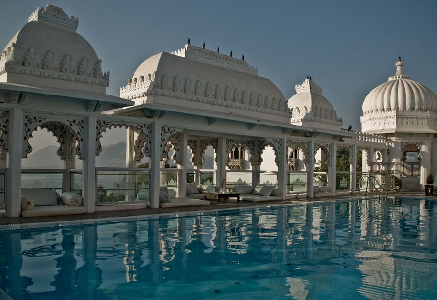 Piscina sul tetto dell'Hotel Udai Kothi - India