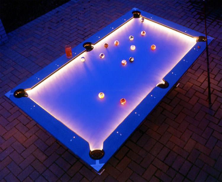Tavolo da biliardo da esterni con luci a led