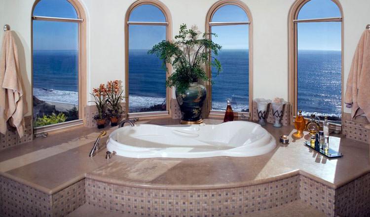 Bagno di lusso con vista panoramica n.22
