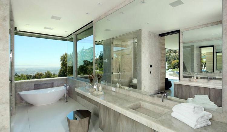Bagno di lusso con vista panoramica n.33