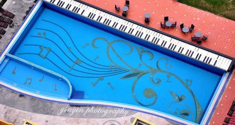 Piscina-Forma-Pianoforte-2