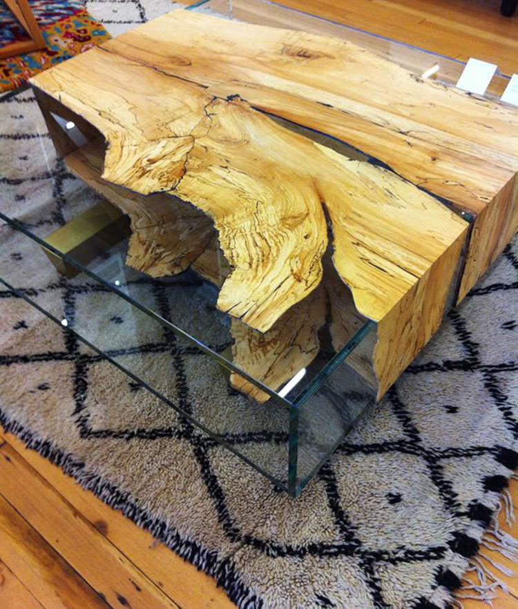 Tavolo in legno naturale dal design originale n.07