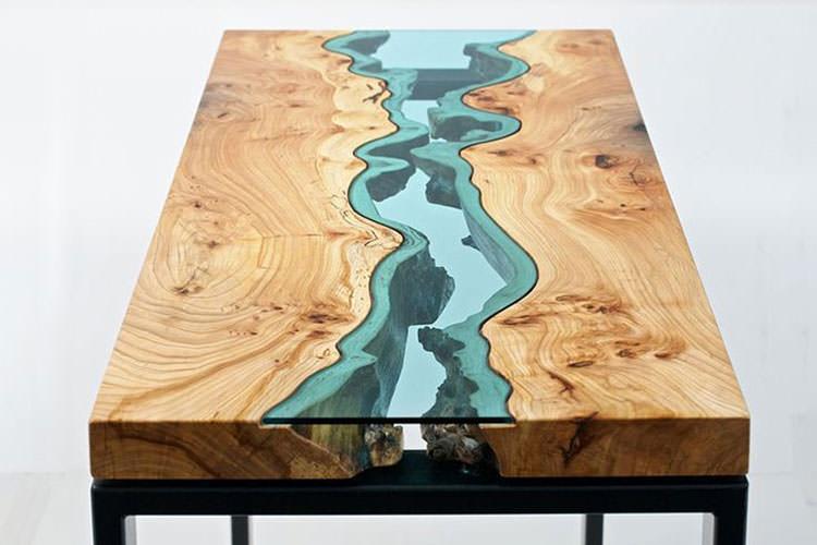 Tavolo in legno naturale dal design originale n.10