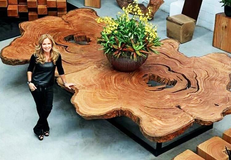 Tavolo in legno naturale dal design originale n.11