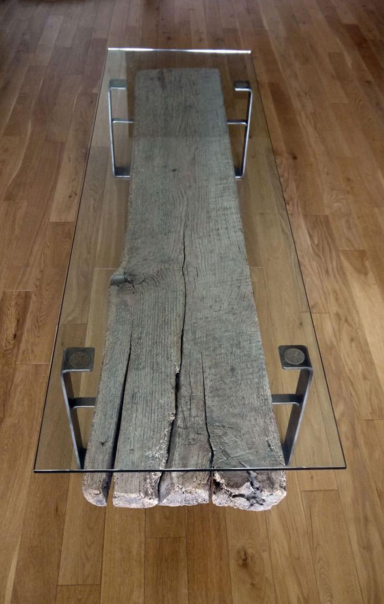 Tavolo in legno naturale dal design originale n.15