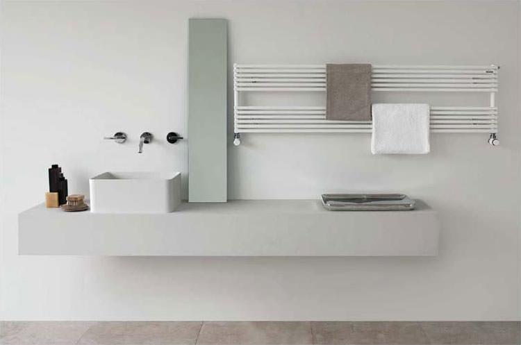 Termoarredo bagno dal design moderno n.10
