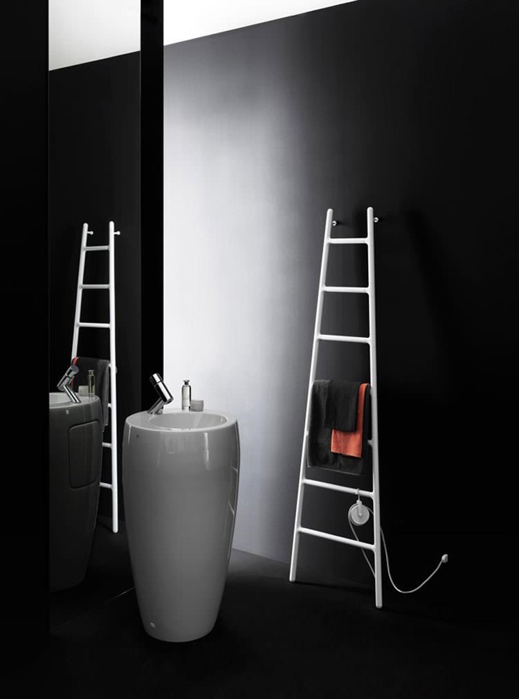 Termoarredo bagno dal design moderno n.22