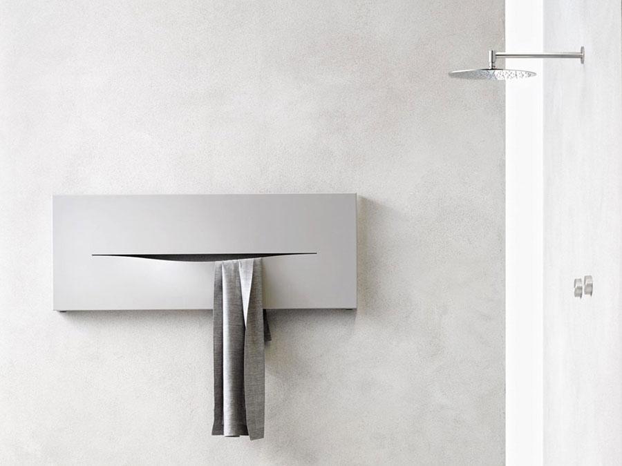 Termoarredo bagno dal design moderno n.35